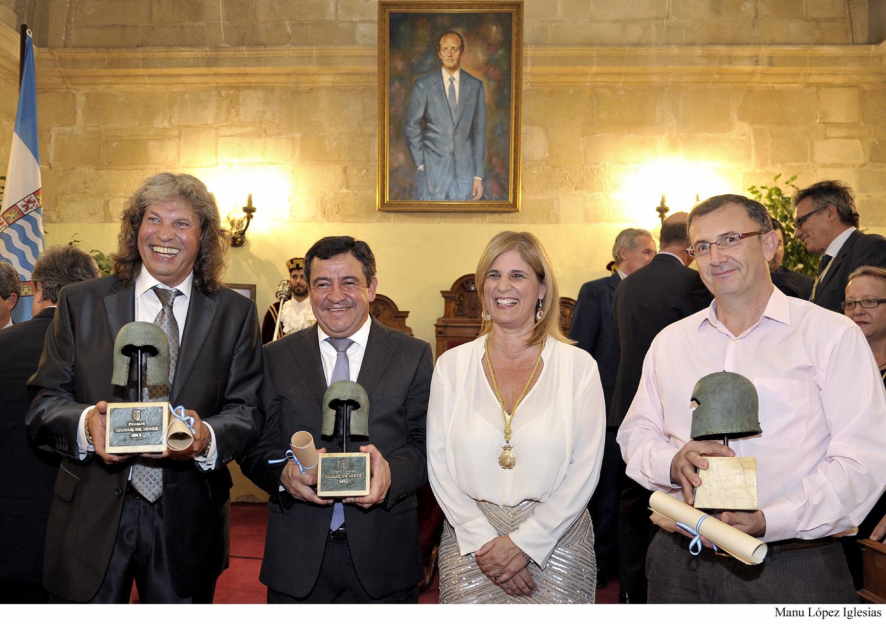 alcaldesa-entrega-premios-ciudad-de-jerez-_-01