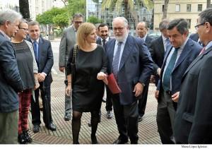 Alcaldesa y ministro Arias Can~ete pres Vinoble 2014 _ 01