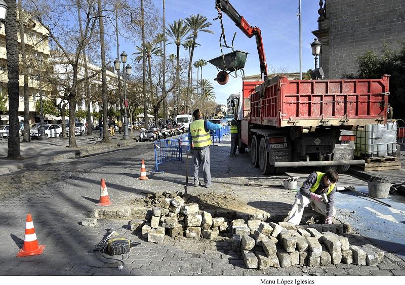 En marcha la reparación del adoquinado de la Alameda Cristina