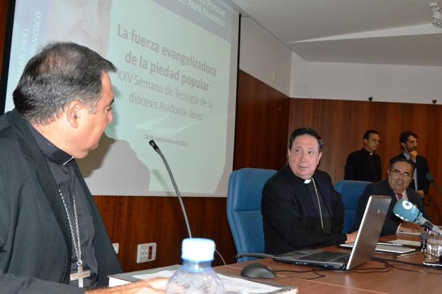 """""""A Benedicto había que traducirlo para el pueblo, y a Francisco para los teólogos…"""""""