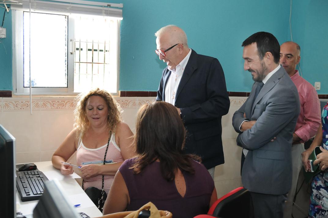 Abren un nuevo Centro de Acceso Público a Internet en la barriada de Luis Parada y Constitución de Jerez