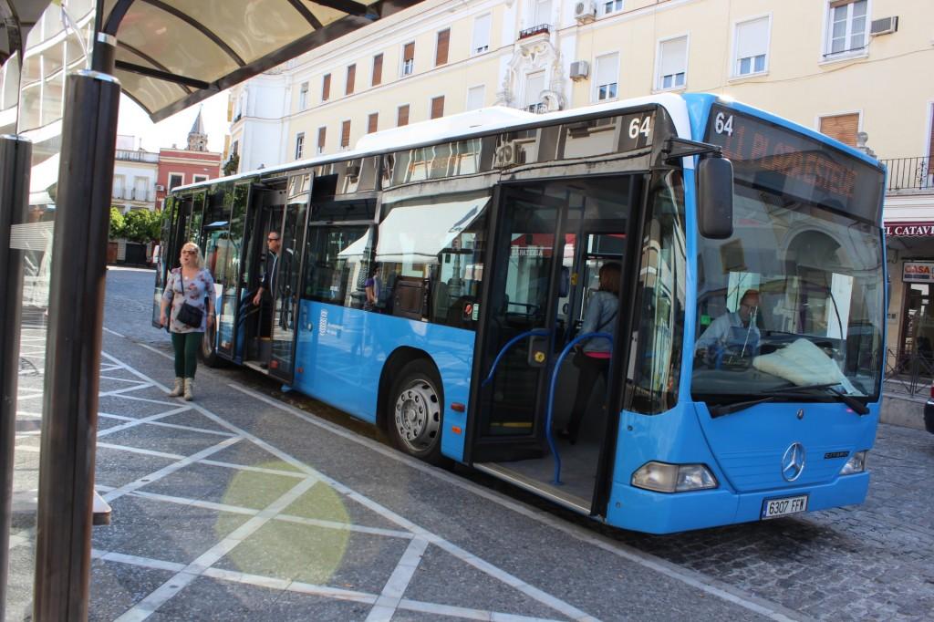 Autobuses Urbanos habilitará un Servicio que conectará el centro y el Circuito