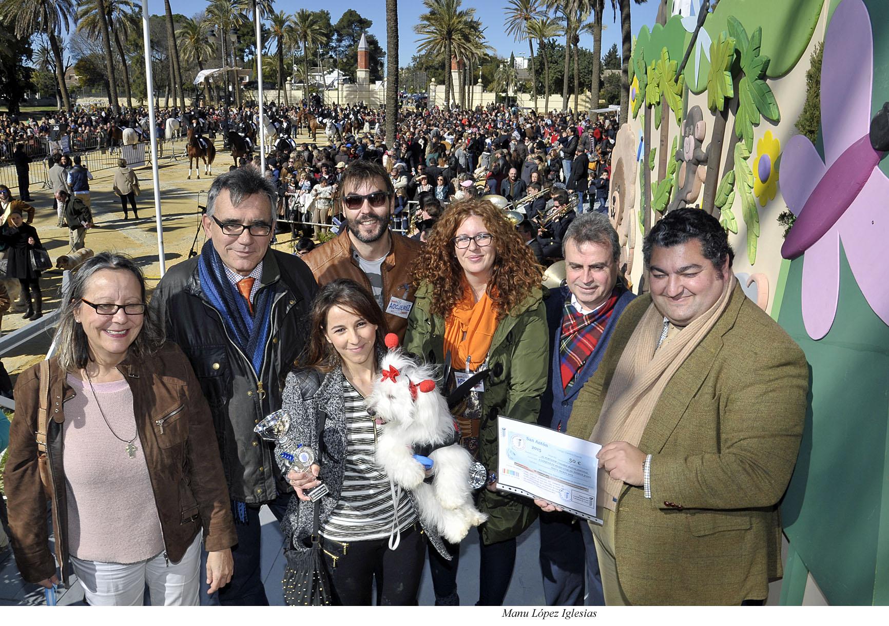 San Antón se celebra con casi seiscientos animales en el Parque González Hontoria