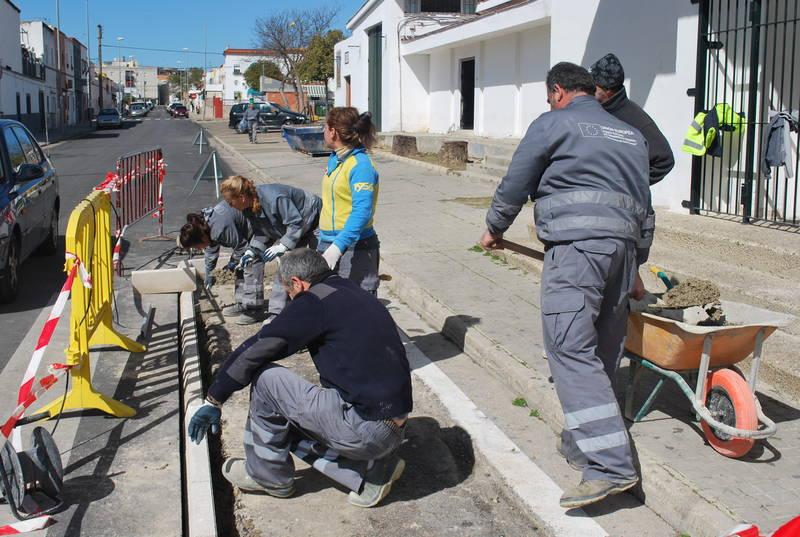 El cuarto programa 'Segunda oportunidad' ofrecerá empleo en albañilería a 16 personas de la zona sur