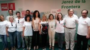 20150522 Jerez - Irene García, Mamen Sánchez y Miriam Alconchel, con el equipo del PSOE de Jerez