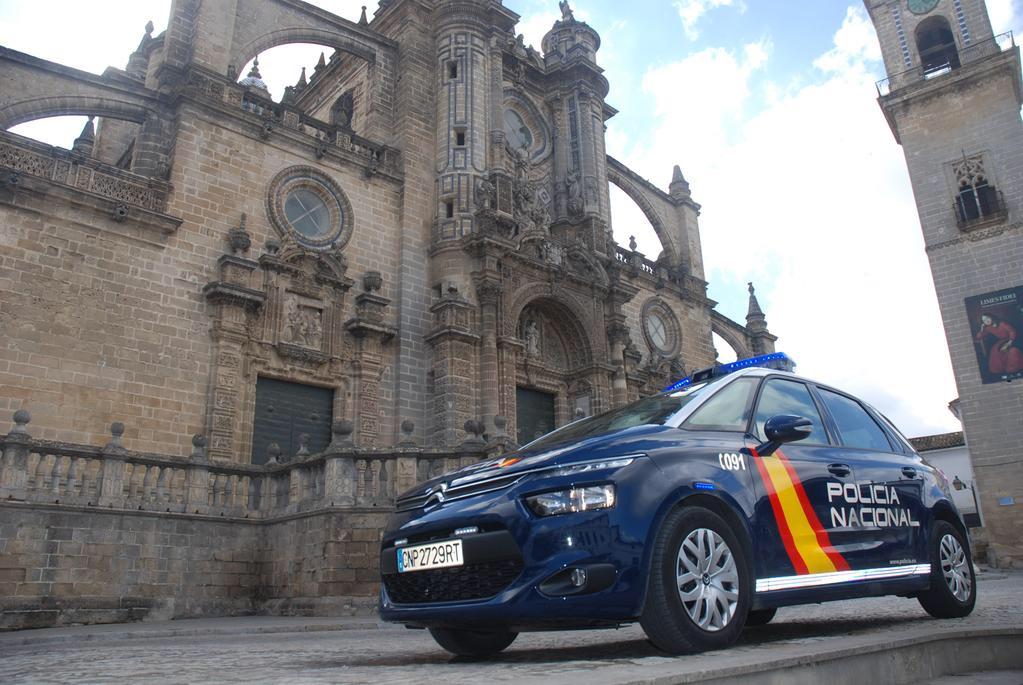 Cuatro detenidos en Jerez por estafar a través del método del cambio mágico