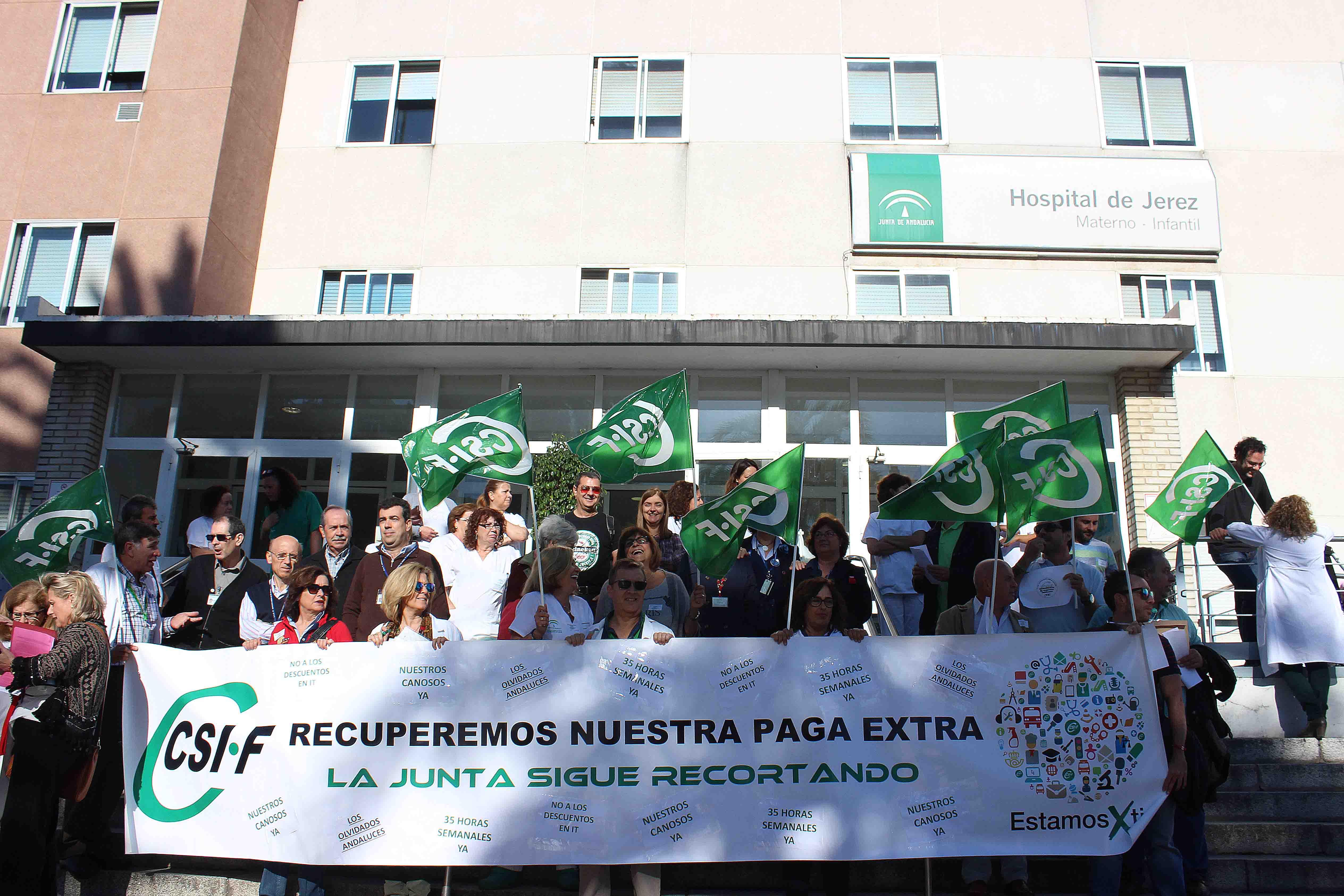 Concentración en el Hospital de Jerez para exigir la recuperación de los derechos recortados a los profesionales del SAS