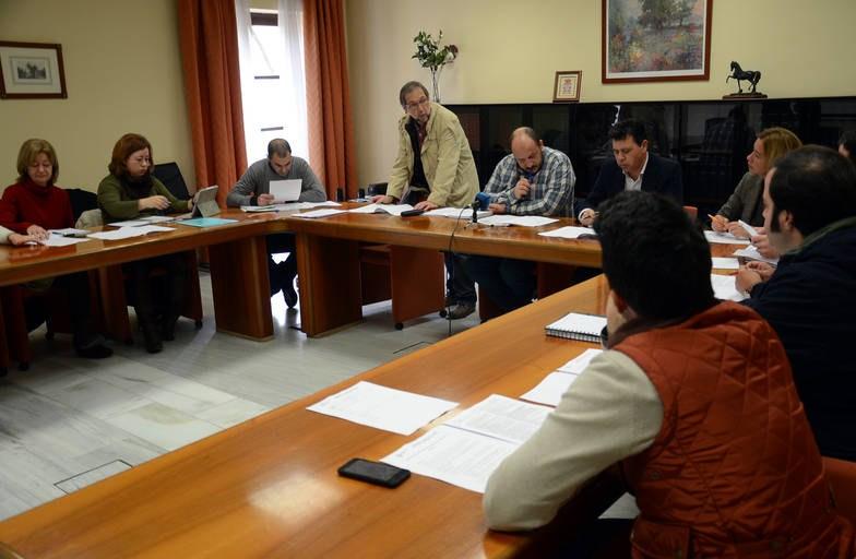 Alcaldes pedáneos exponen su situación en la Comisión de Desarrollo Rural