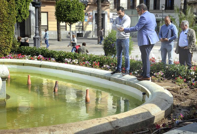 Actos vandálicos dejan fuera de servicio la fuente de la Plaza del Arenal