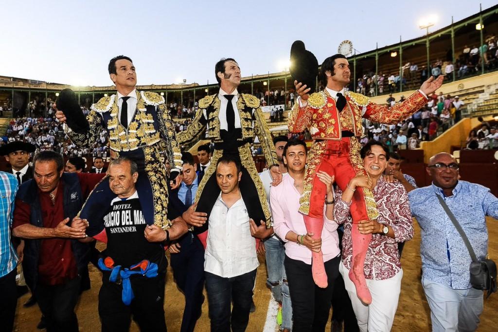 Padilla, Morante y Manzanares, a hombros