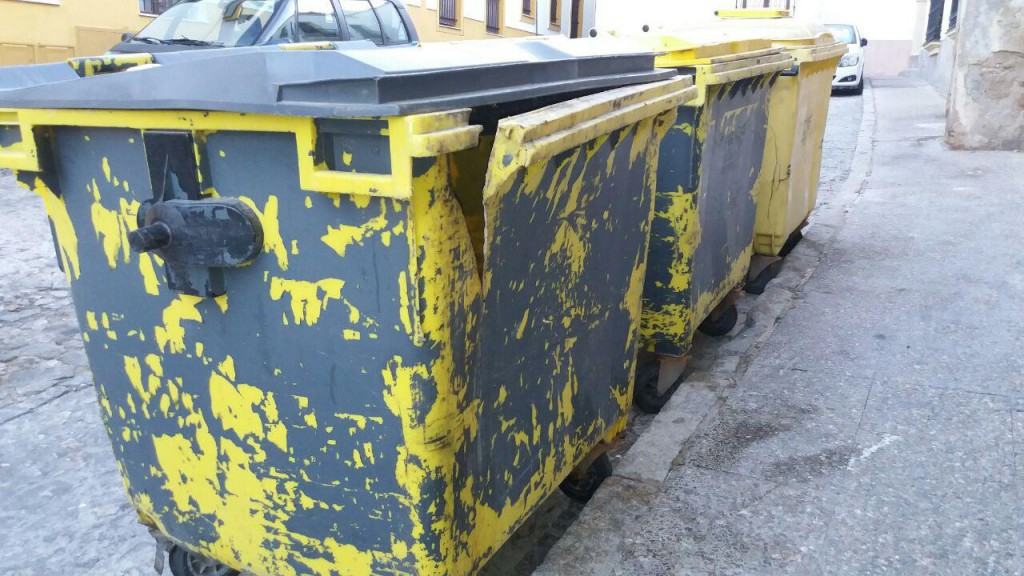 Ganemos Jerez propone la reparación inmediata de los contenedores de basura