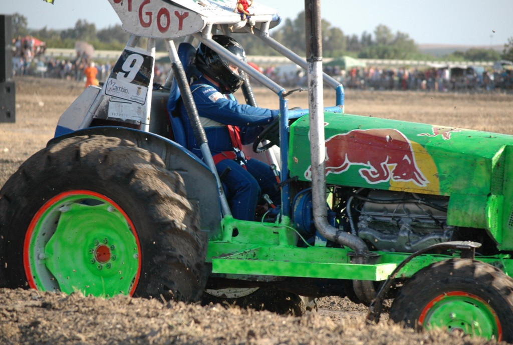 Miguel Ángel Márquez se proclama vencedor del campeonato de tractores