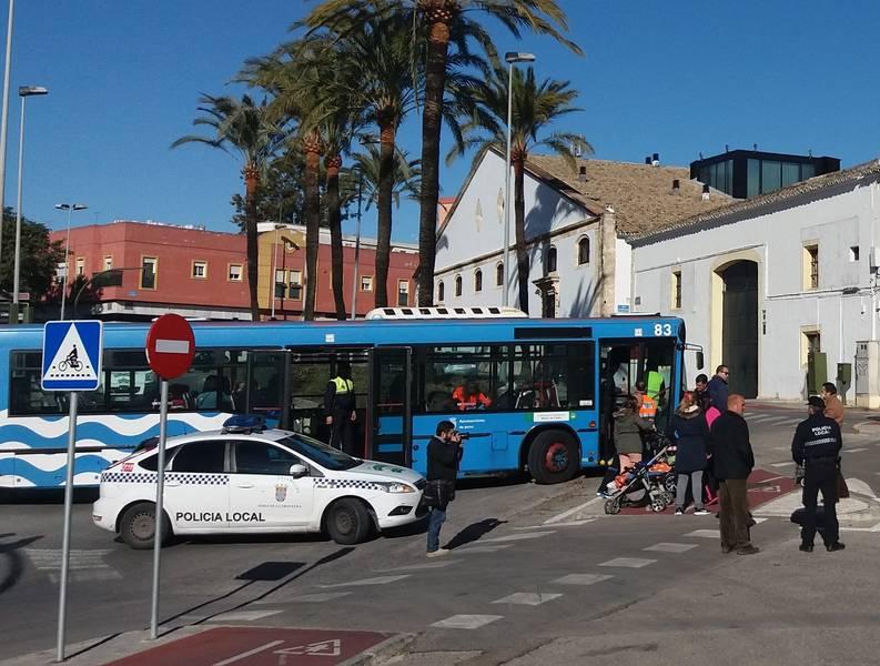 Una veintena de heridos leves en un accidente de autobús urbano en Jerez