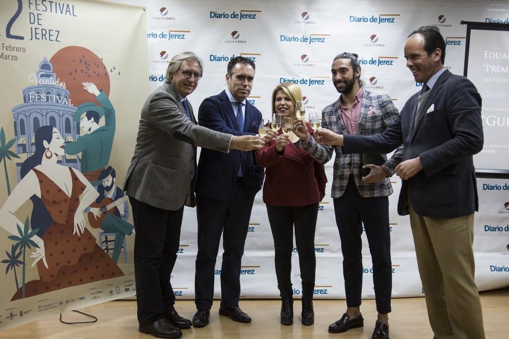 Eduardo Guerrero recibe el Premio El Público