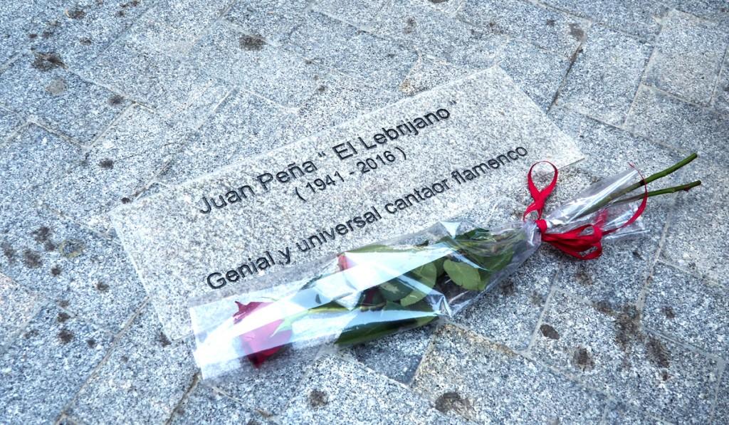 Juan Peña 'El Lebrijano' ya tiene su lugar en la Calle Monjas