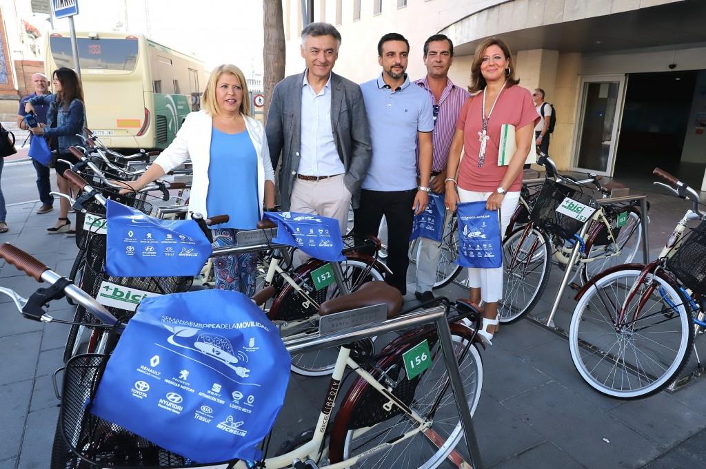 Jerez estrena un nuevo punto de préstamo de bicicletas públicas junto a la estación
