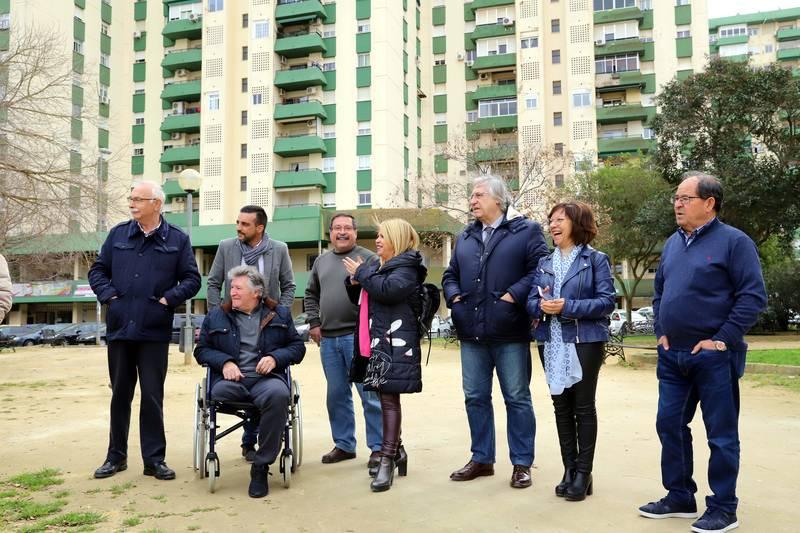Aparcamientos en calle Mallorca y zona de esparcimiento canino en Parque Autóctono