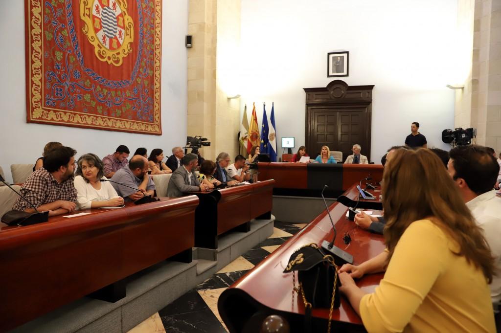 La oposición vota en contra en el pleno de organización por falta de acuerdo