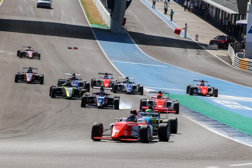 El nuevo Campeonato de España de Turismos junto a la Spanish F4, próximos platos fuertes en el Circuito de Jerez