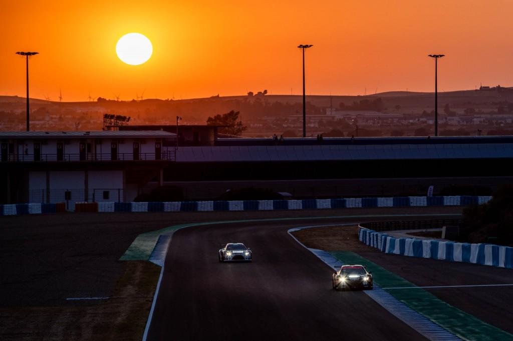 El Circuito salda con éxito sus primeras 24 horas de competición automovilística con la Lamera Cup