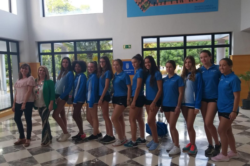 El equipo femenino del Club Atletismo Chapín Jerez se proclama subcampeón de España