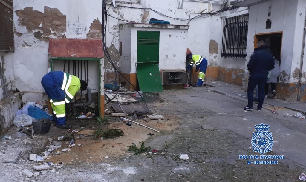 La Policía interviene en 43 acometidas ilegales al suministro de agua en Jerez