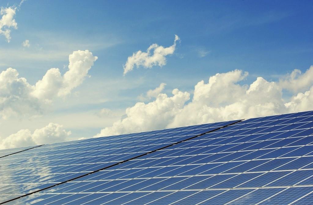 Beneficios de instalar paneles solares en el hogar