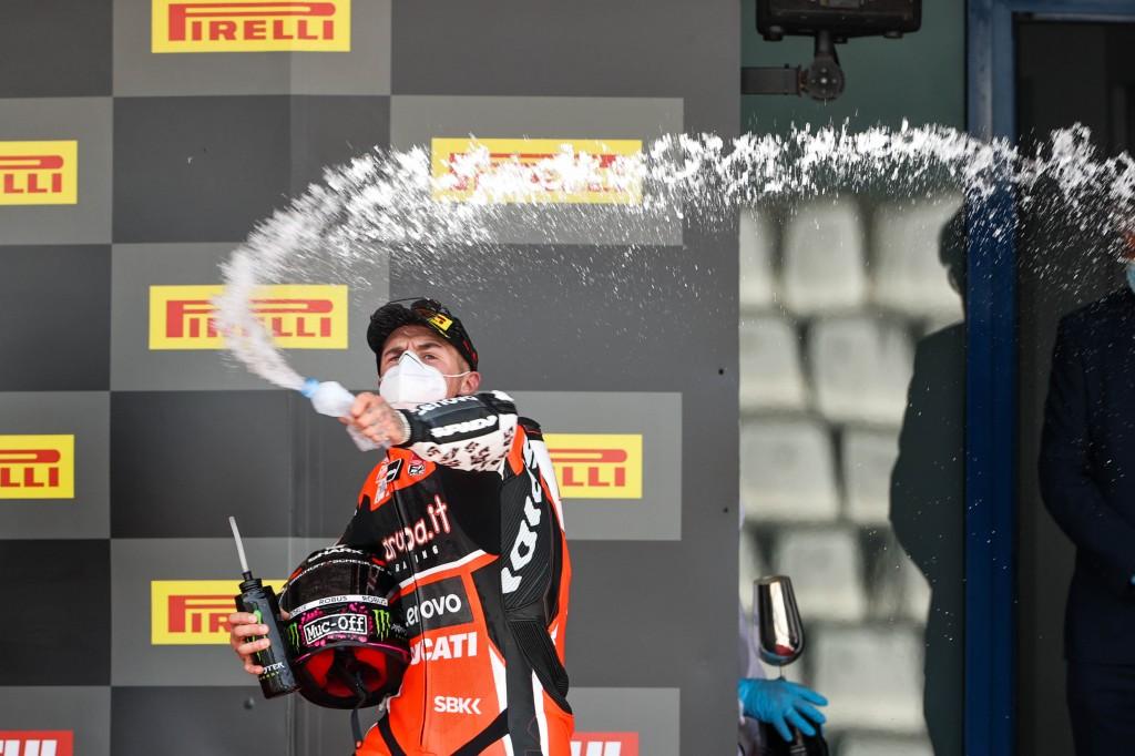 Scott Redding cierra con otra victoria el Spanish Round de Superbike en Jerez