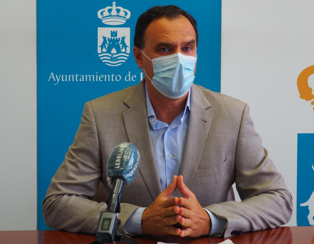 El Alcalde pide a la Junta rastreadores militares para el centro de salud