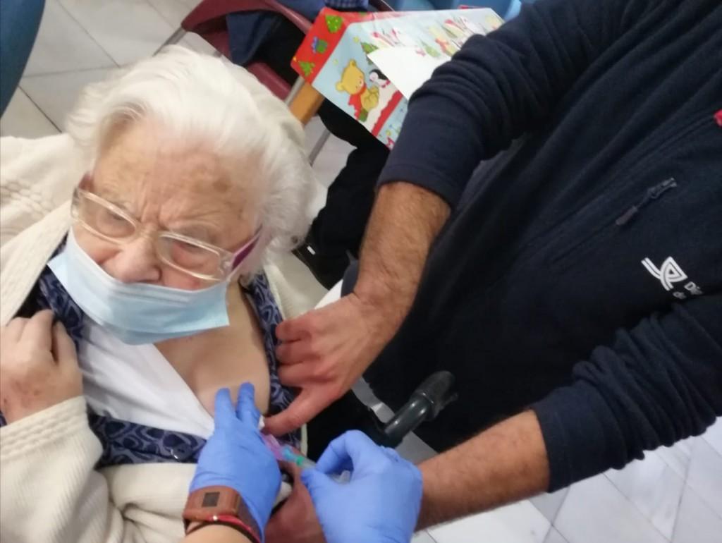 Vacunaciones en la residencia de mayores Matía Calvo de la Diputación de Cádiz
