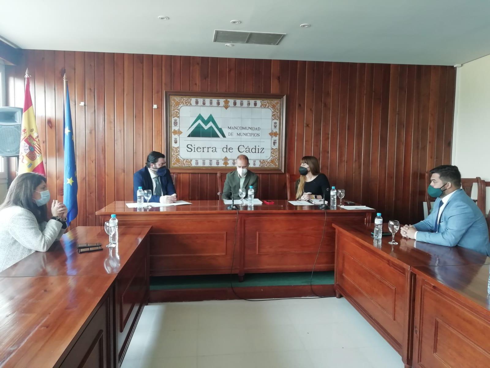 La Junta traslada su apoyo a los municipios de la Sierra para reactivar su economía