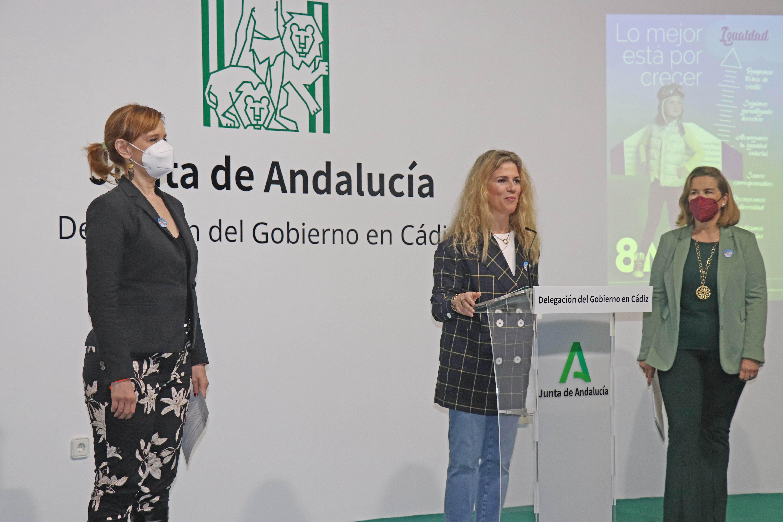 """La Junta busca """"construir puentes para avanzar en la igualdad real de mujeres y hombres desde el diálogo y el consenso"""""""