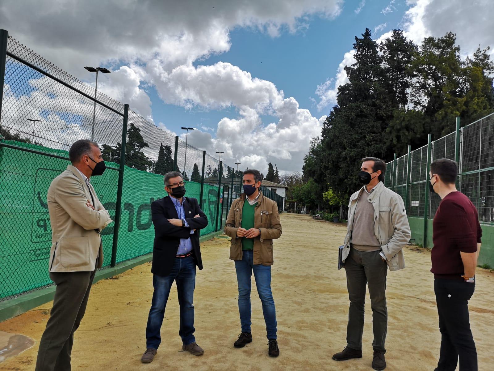 Antonio Saldaña traslada su apoyo a los proyectos de futuro del Club Nazaret