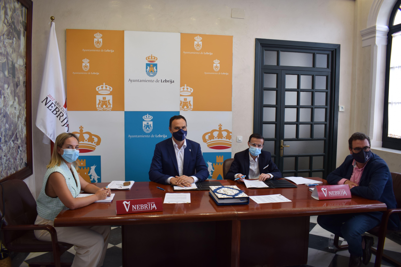 La Diputación de Badajoz y  el Ayuntamiento de Villanueva de la Serena se unen a Lebrija