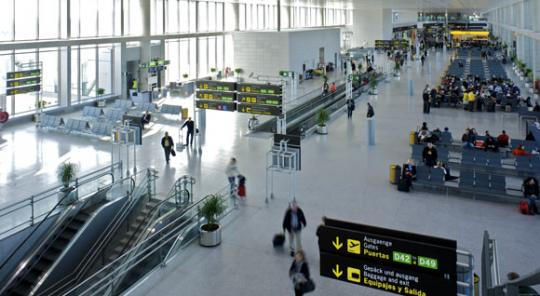 Las aerolíneas ofertarán 4,8 millones de plazas con destino a Andalucía en verano