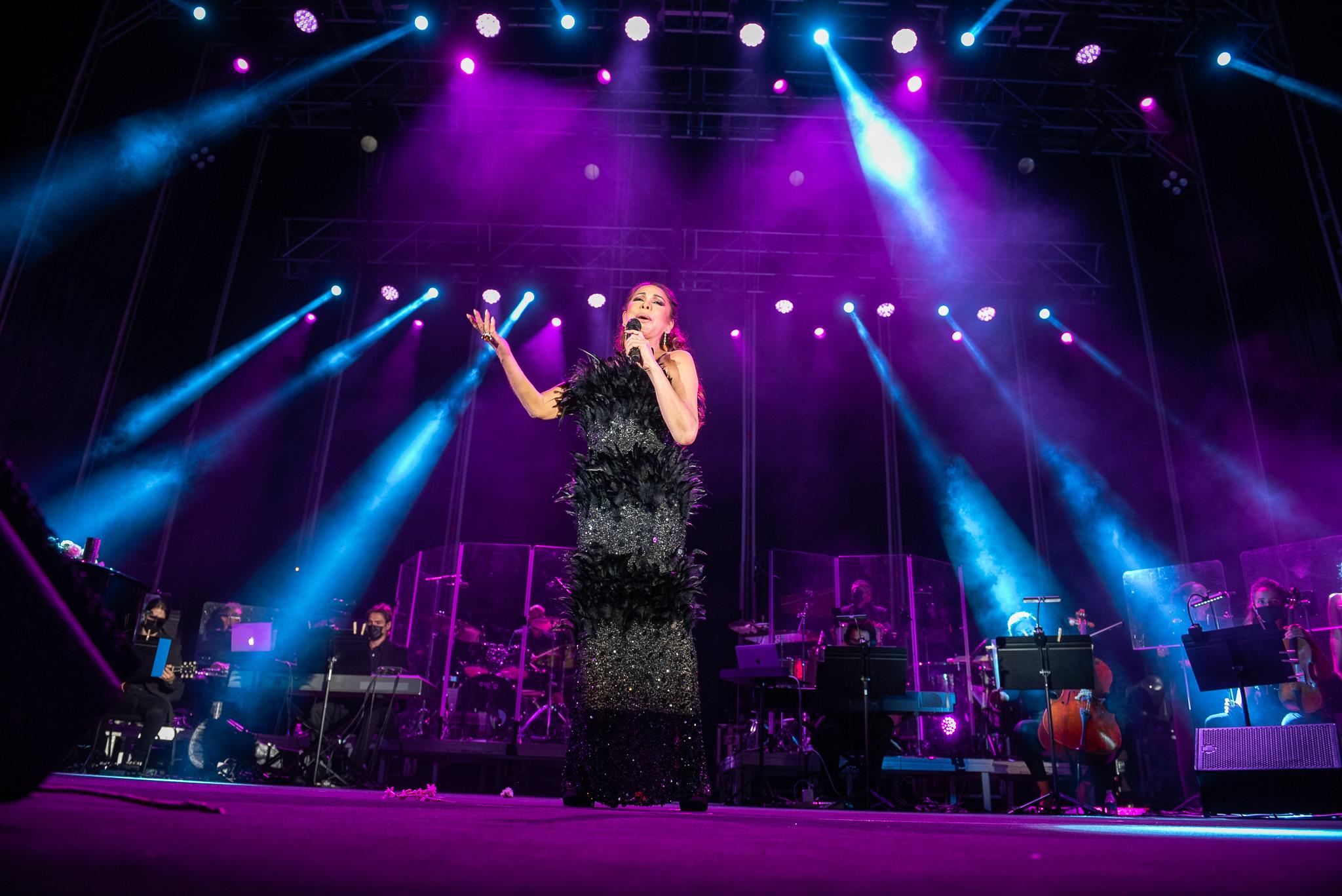 Isabel Pantoja 'enamora' en Jerez